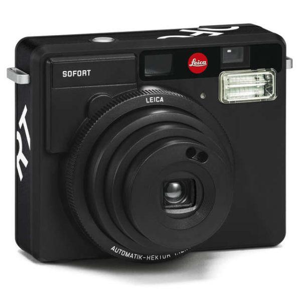 Leica Sofort Black Angle
