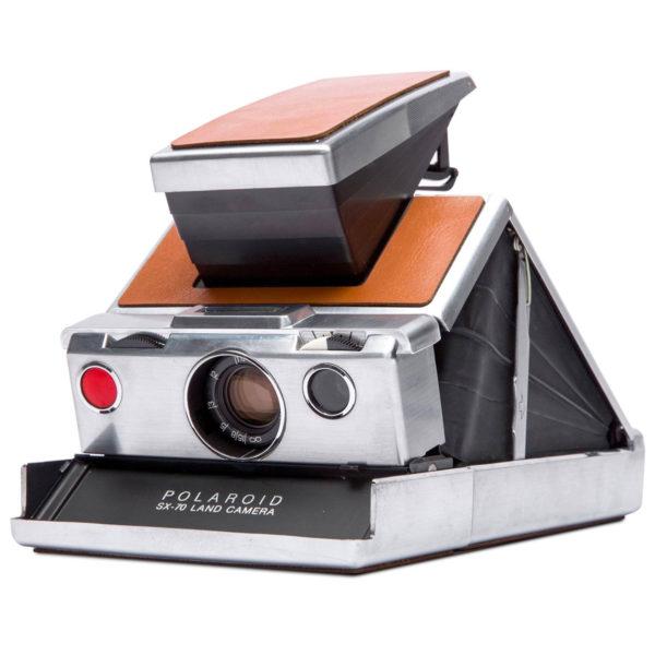 Polaroid SX-70 Silver/Brown 02